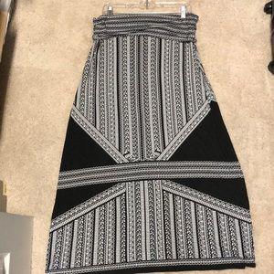 Mac Studio Maxi Skirt. Size XL BLACK / WHITE